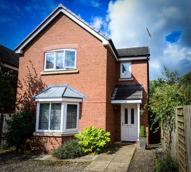 3 Bedrooms Detached House for sale in Heritage Way, Llanymynech