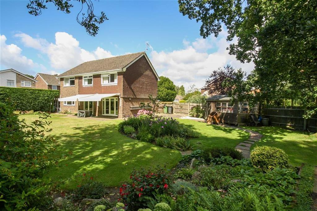 4 Bedrooms Detached House For Sale In Chestnut Close Liphook Hampshire GU30