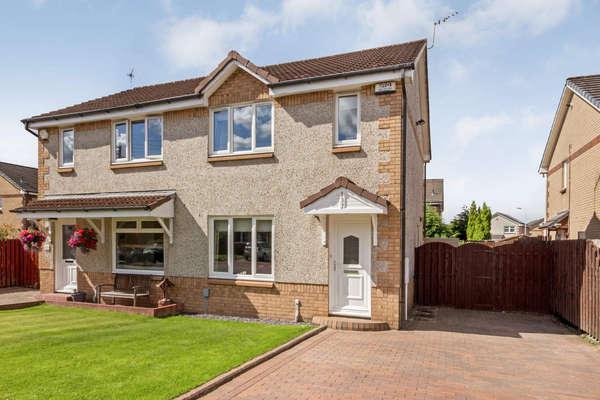 3 Bedrooms Semi-detached Villa House for sale in 137 Bradan Avenue, Glasgow, G13 4JF