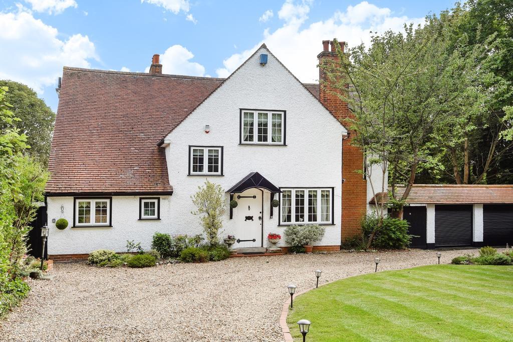 4 Bedrooms Detached House for sale in Goddington Lane Orpington BR6