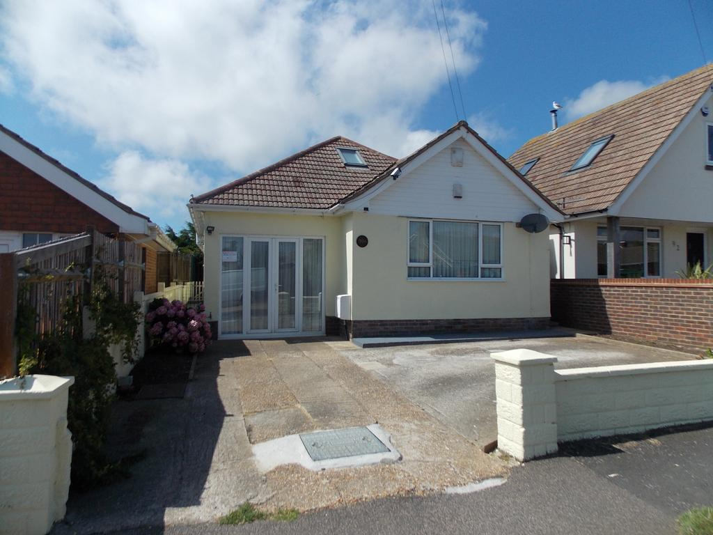 2 Bedrooms Detached Bungalow for sale in Malines Avenue, Peacehaven, East Sussex