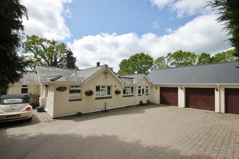 4 Bedrooms Detached Bungalow for sale in Sandy Lane, Verwood