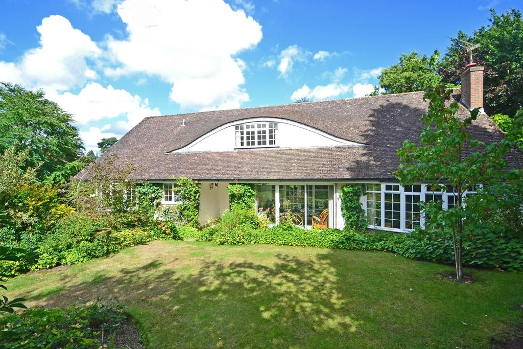 3 Bedrooms Detached Bungalow for sale in West Chiltington, West Sussex RH20