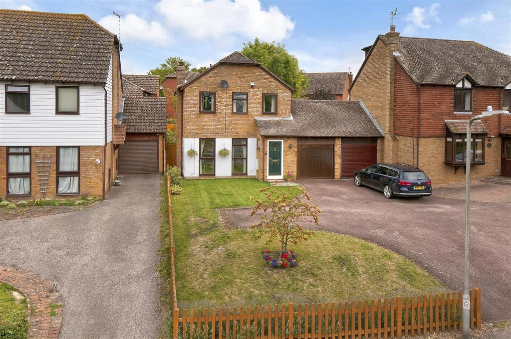 3 Bedrooms Detached House for sale in Carpenters Lane, Hadlow