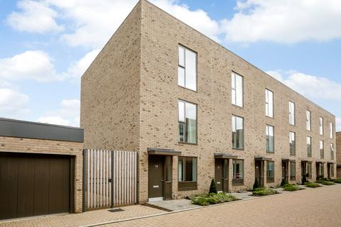 3 bedroom terraced house to rent - Clay Farm Drive, Trumpington, Cambridge, CB2