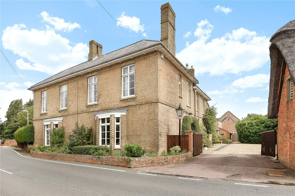 6 Bedrooms Detached House for sale in High Street, Great Barford, Bedfordshire, MK44