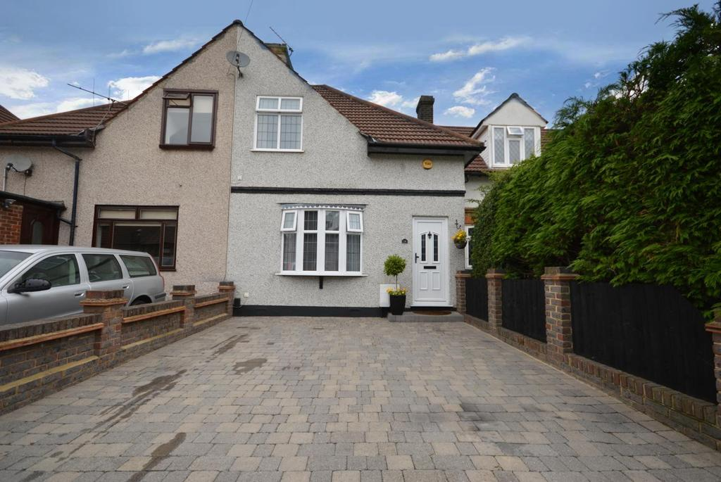 3 Bedrooms Terraced House for sale in Crescent Avenue, Hornchurch, Essex, RM12