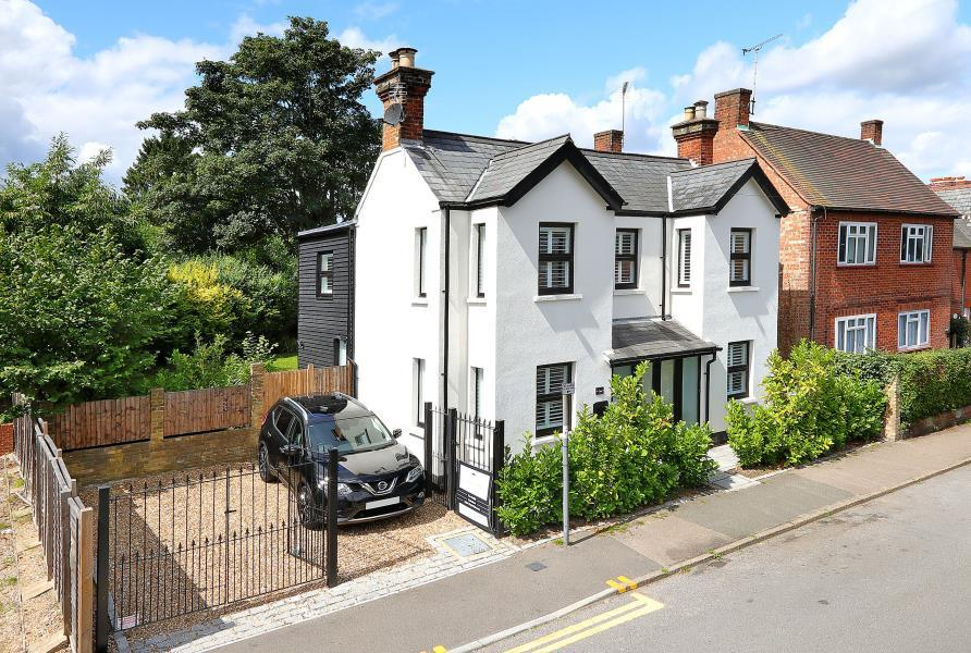 4 Bedrooms Detached House for sale in Sunninghill, Berks