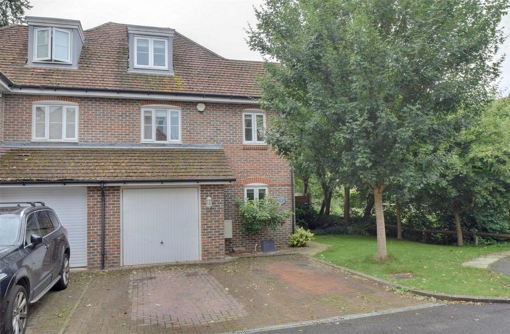 4 Bedrooms Town House for sale in Idsworth Down, PETERSFIELD, Hampshire