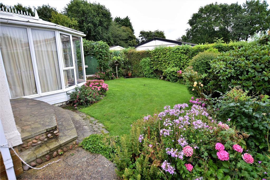 2 Bedrooms Detached House for sale in Flaunden Park, Flaunden, Hemel Hempstead, Hertfordshire, HP3