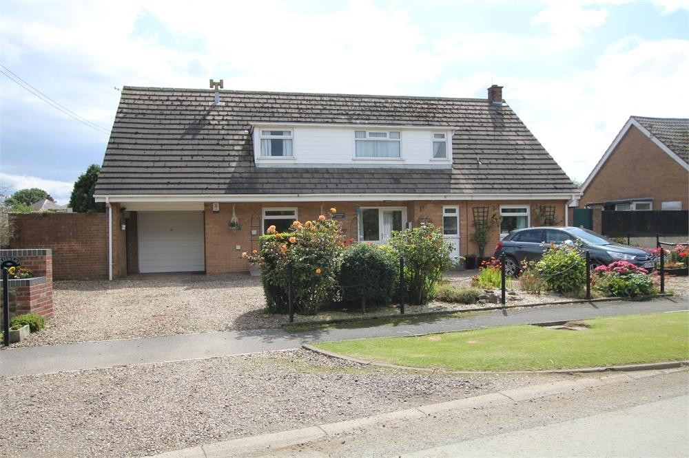 4 Bedrooms Detached Bungalow for sale in Freeholme Lodge, Northside Road, Hollym, Withernsea, East Riding of Yorkshire