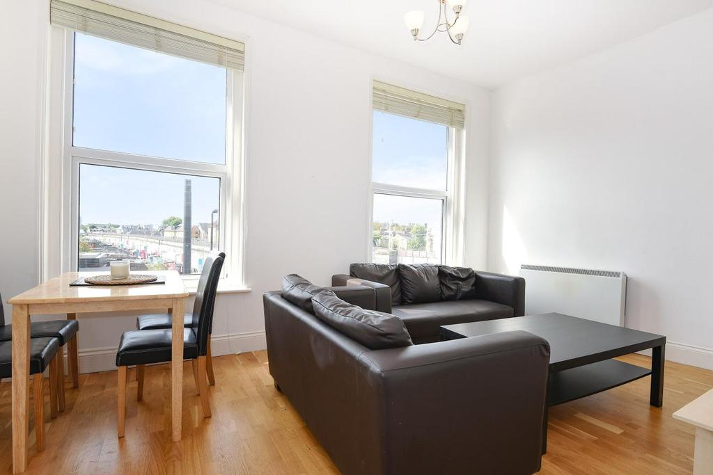 3 Bedrooms Maisonette Flat for sale in Uxbridge Road, Shepherds Bush