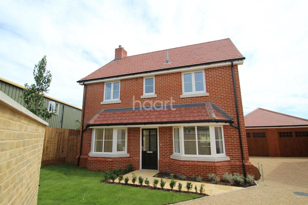 4 Bedrooms Detached House for sale in Green Gates, 214 Main Road, Great Leighs