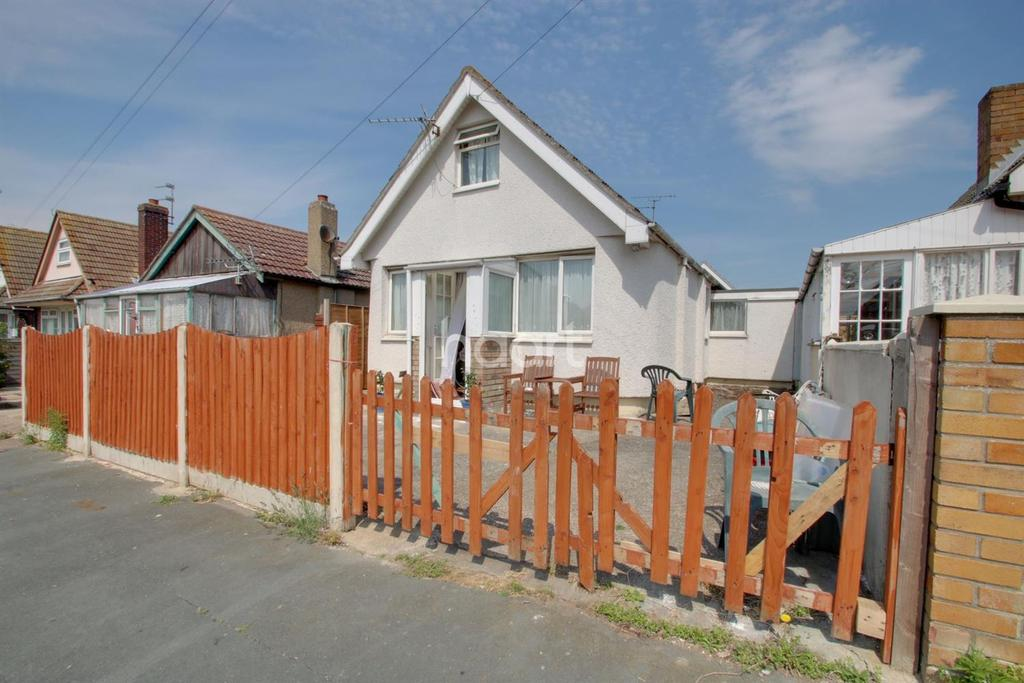 3 Bedrooms Bungalow for sale in Jaywick