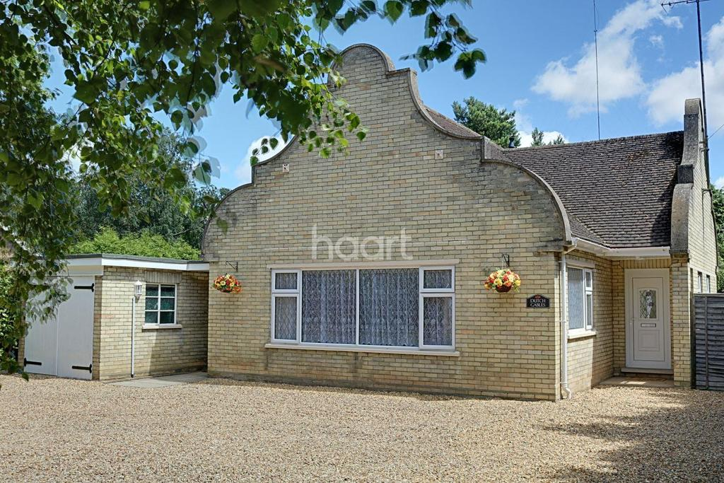 3 Bedrooms Bungalow for sale in Leverington Road
