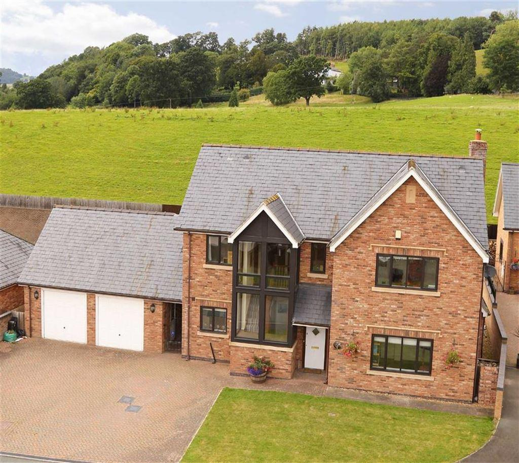 5 Bedrooms Country House Character Property for sale in Parc Bronhyddon, Llansantffraid, SY22