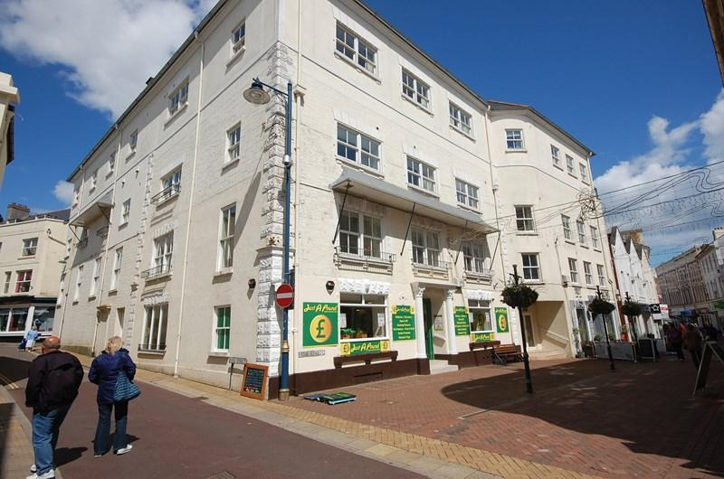 2 Bedrooms Apartment Flat for sale in Bank Street, Teignmouth