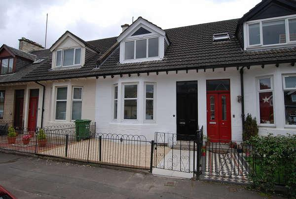 2 Bedrooms Terraced House for sale in 18 Victoria Park Street, Glasgow, G14 9QA
