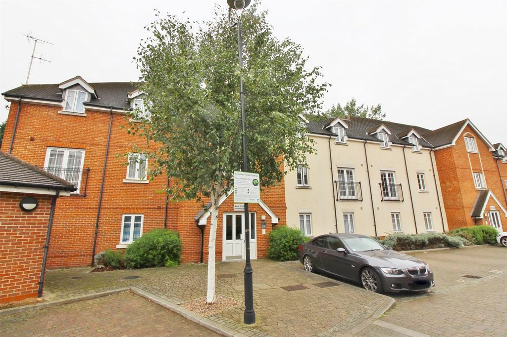 2 Bedrooms Flat for sale in Peppermint Road, Hitchin, Hertfordshire