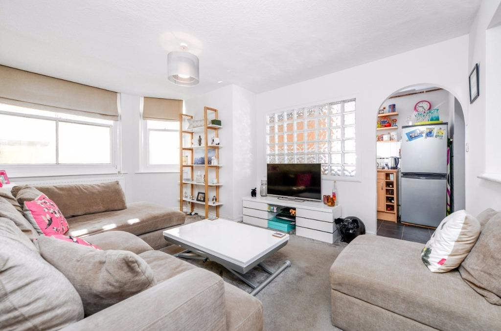 1 Bedroom Flat for sale in Medina Terrace Hove East Sussex BN3