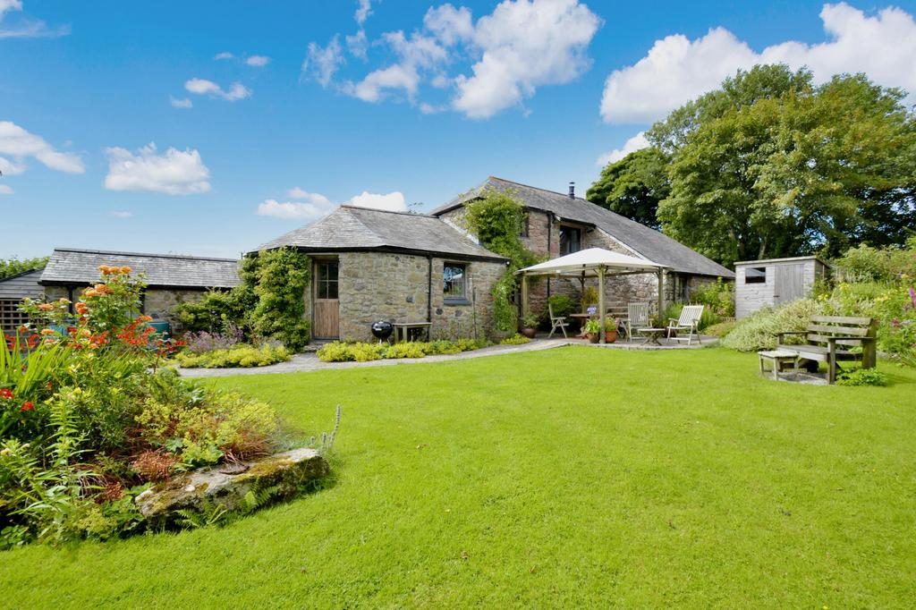 3 Bedrooms Detached House for sale in Fenton Pitts, Bodmin
