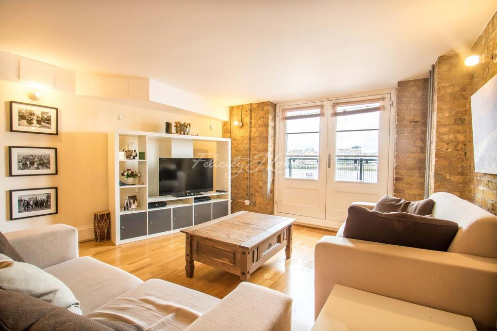 2 Bedrooms Flat for sale in Globe Wharf, Rotherhithe Street SE16