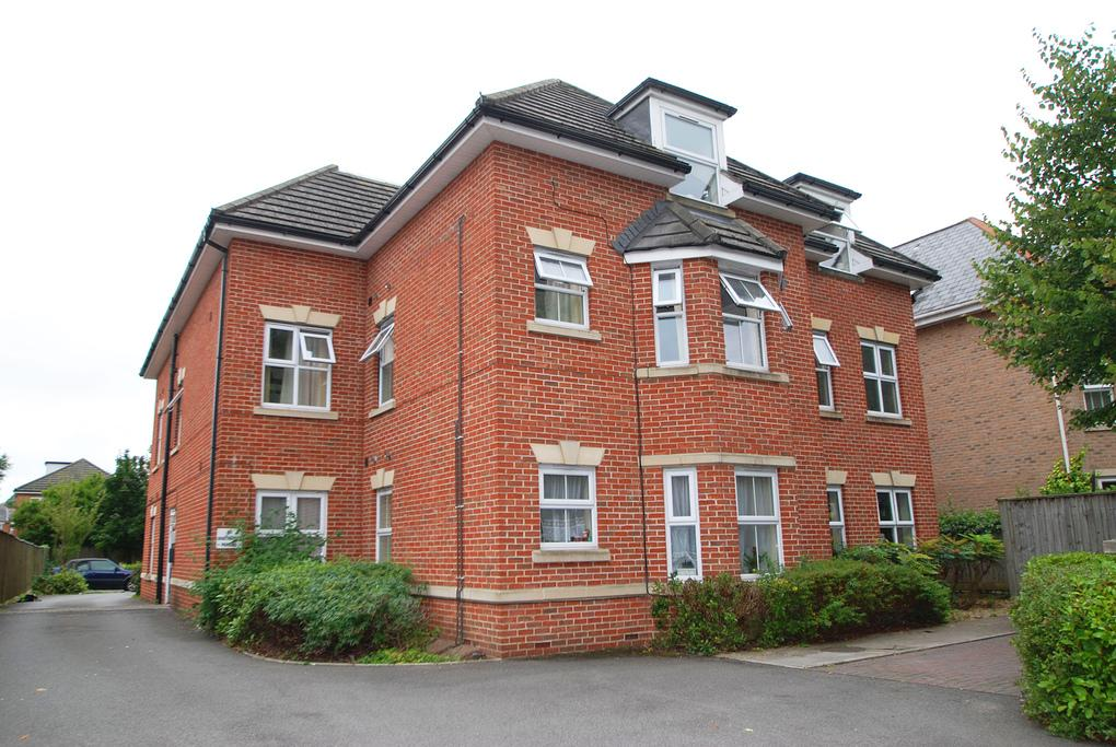 1 Bedroom Flat for sale in Richmond Park Road, Bournemouth, BH8