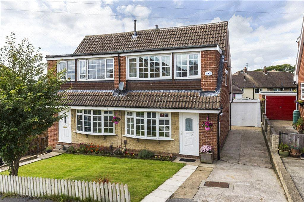 3 Bedrooms Semi Detached House for sale in Aire Grove, Yeadon, Leeds, West Yorkshire