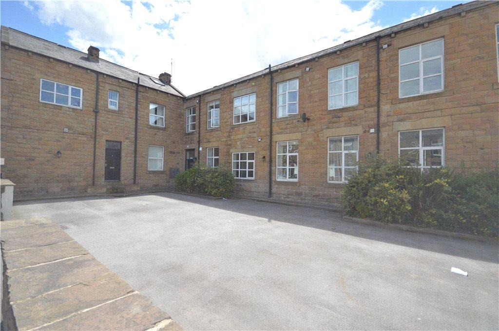2 Bedrooms Apartment Flat for sale in Flat 2, Clough Court, Clough Street, Morley, Leeds