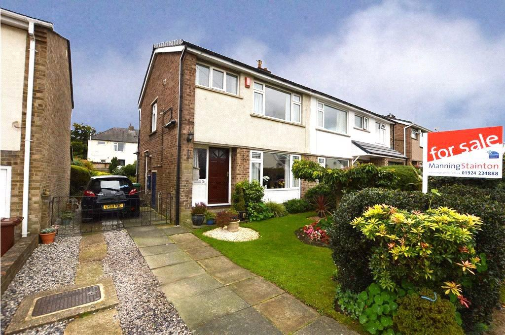 3 Bedrooms Semi Detached House for sale in Mapplewell Crescent, Ossett, West Yorkshire