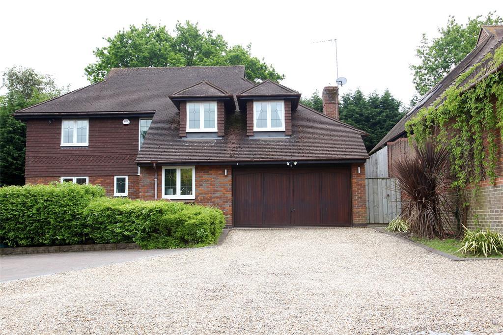 4 Bedrooms Detached House for sale in Springfield, Lightwater, Surrey