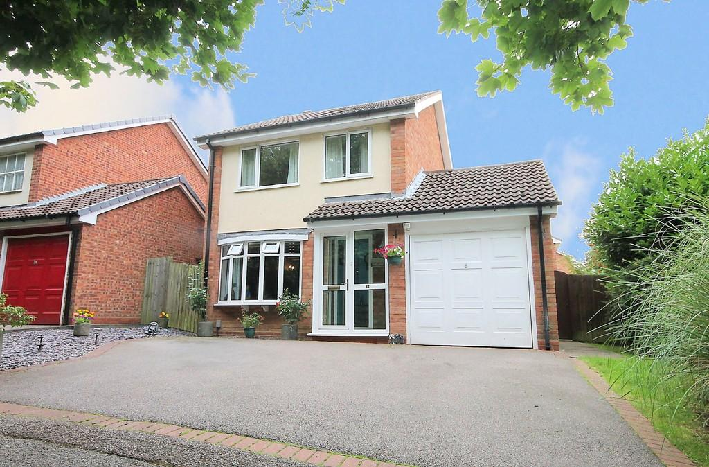 3 Bedrooms Detached House for sale in Greenheart, Amington, Tamworth, B77 4NG
