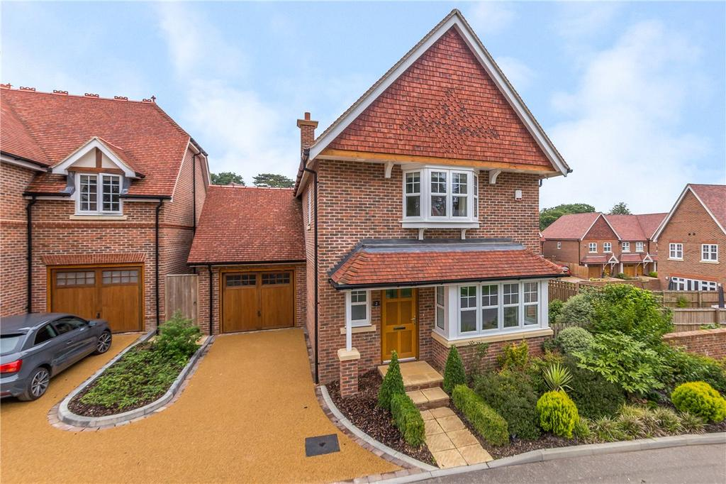 3 Bedrooms Detached House for sale in Butterwick Way, Welwyn, Hertfordshire