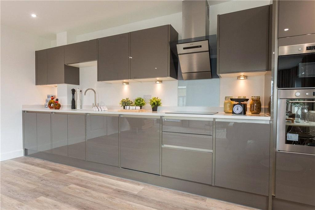 3 Bedrooms Apartment Flat for sale in Newmarket Road, Cambridge, CB5