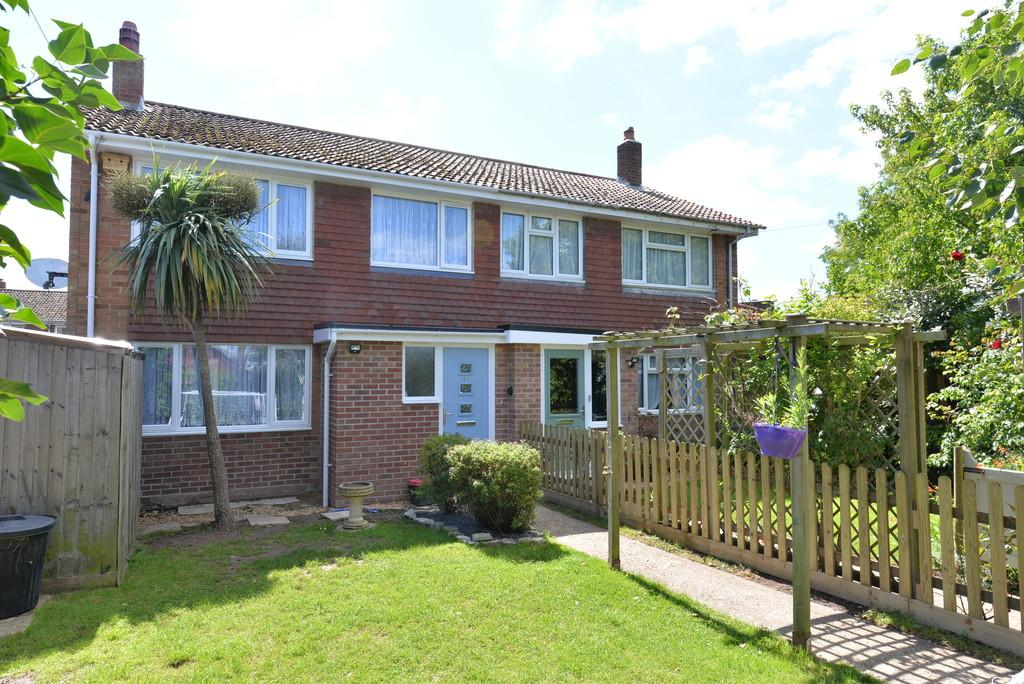 4 Bedrooms Semi Detached House for sale in Stoneleigh Avenue, Hordle