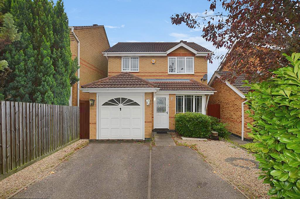 3 Bedrooms Detached House for sale in Haycroft, Luton, LU2 7GJ