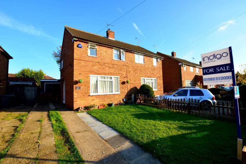 3 Bedrooms Semi Detached House for sale in Ravensthorpe, Putteridge, Luton, LU2 8AU