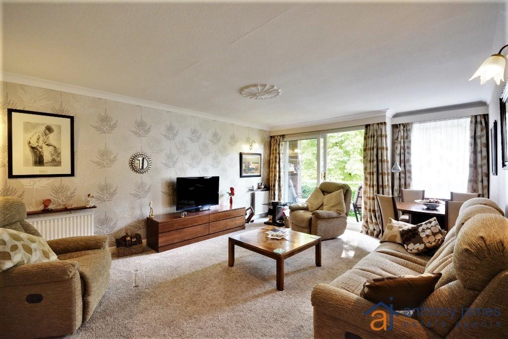 2 Bedrooms Apartment Flat for sale in Lulworth Road, Birkdale, PR8 2AT