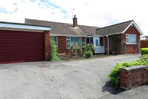 3 bedroom detached bungalow for sale - Greenway Road, Biddulph