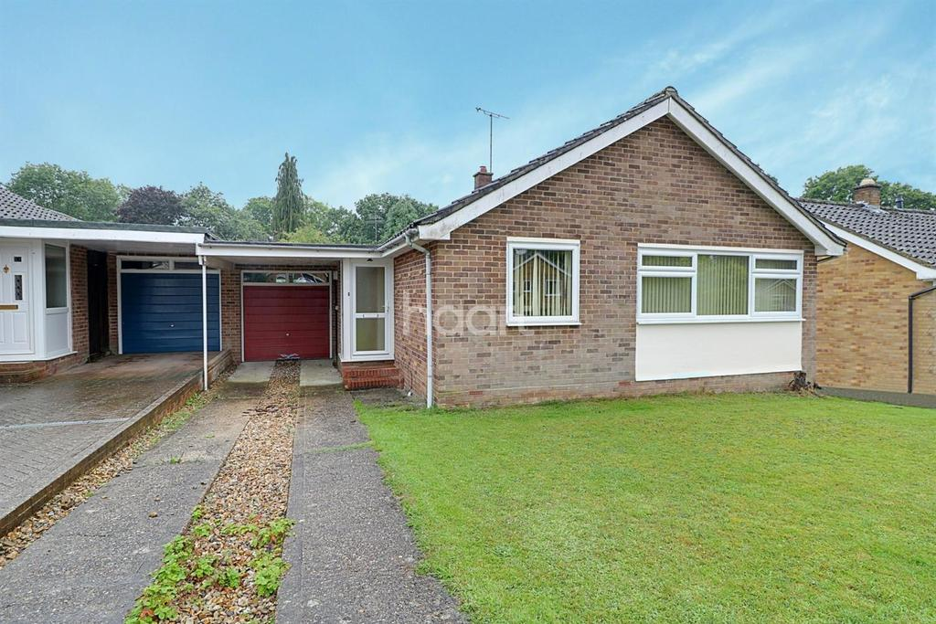 2 Bedrooms Bungalow for sale in Pound Close, Headley, Hampshire