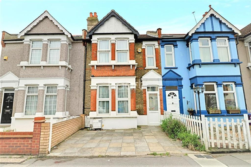 2 Bedrooms Terraced House for sale in Meads Lane, Ilford, Essex