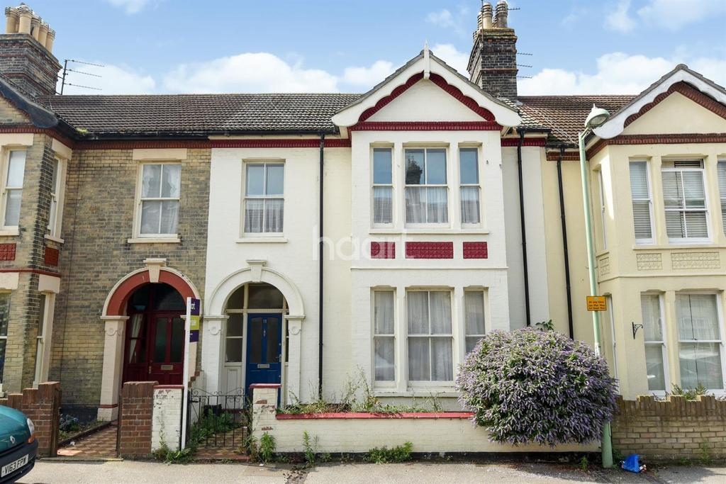 5 Bedrooms Terraced House for sale in Windsor Road, Lowestoft