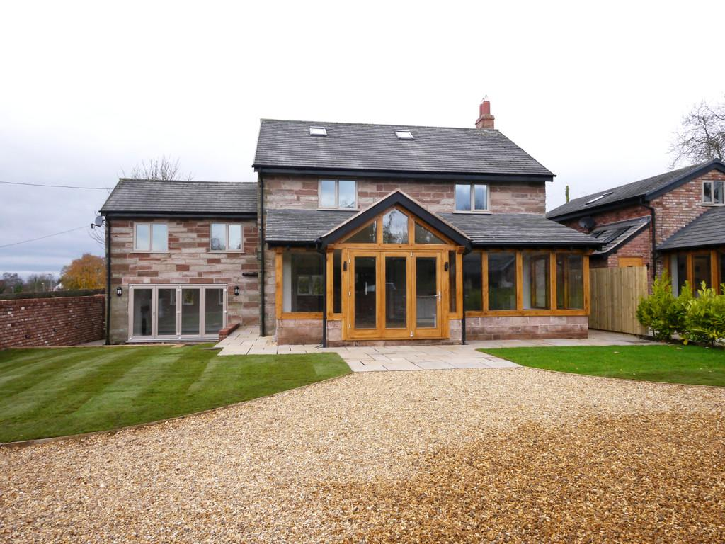 4 Bedrooms Detached House for sale in Yeld Lane Farm, Kelsall, CW6 0TB