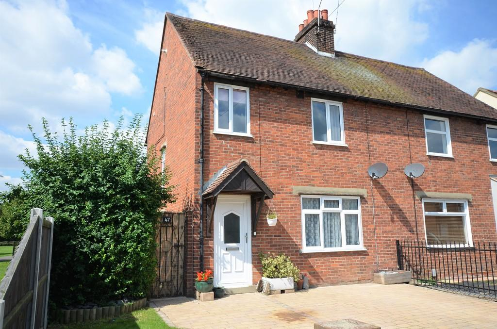 3 Bedrooms Semi Detached House for sale in Collingwood Road, Lexden, CO3 9BH