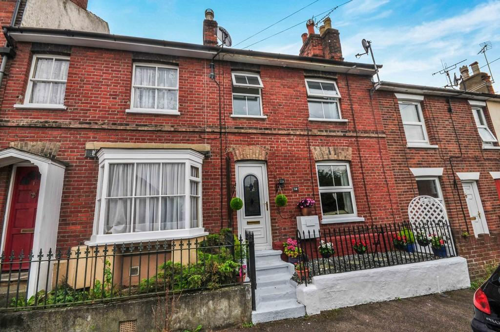 3 Bedrooms Terraced House for sale in Cromwell Road, Colchester, CO2 7EN