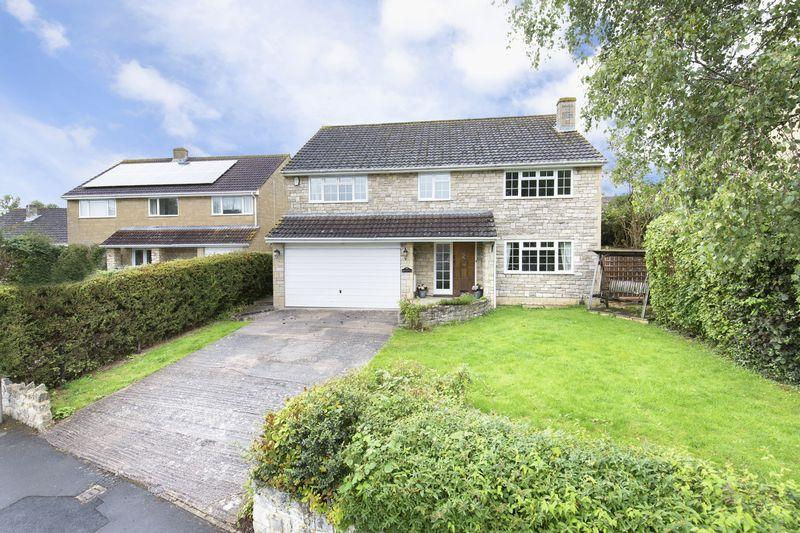 4 Bedrooms Detached House for sale in Balmoral Road, Trowbridge