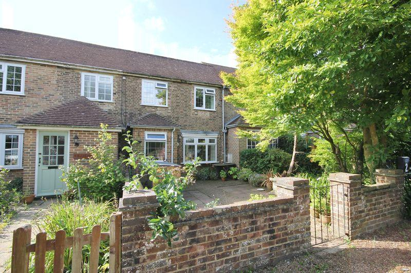 3 Bedrooms Terraced House for sale in Mill Road, Burgess Hill, West Sussex