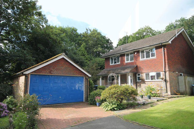 4 Bedrooms Detached House for sale in Clayton Avenue, Hassocks, West Sussex,