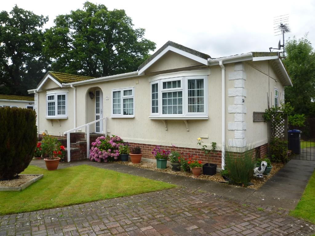 2 Bedrooms Mobile Home for sale in Trowbridge Lodge Park, Trowbridge