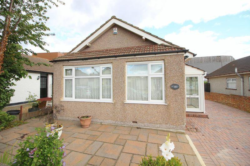 2 Bedrooms Bungalow for sale in St Johns Road, Welling, DA16 2AF